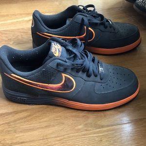Nike Shoes - Nike Air Lunar Force 1